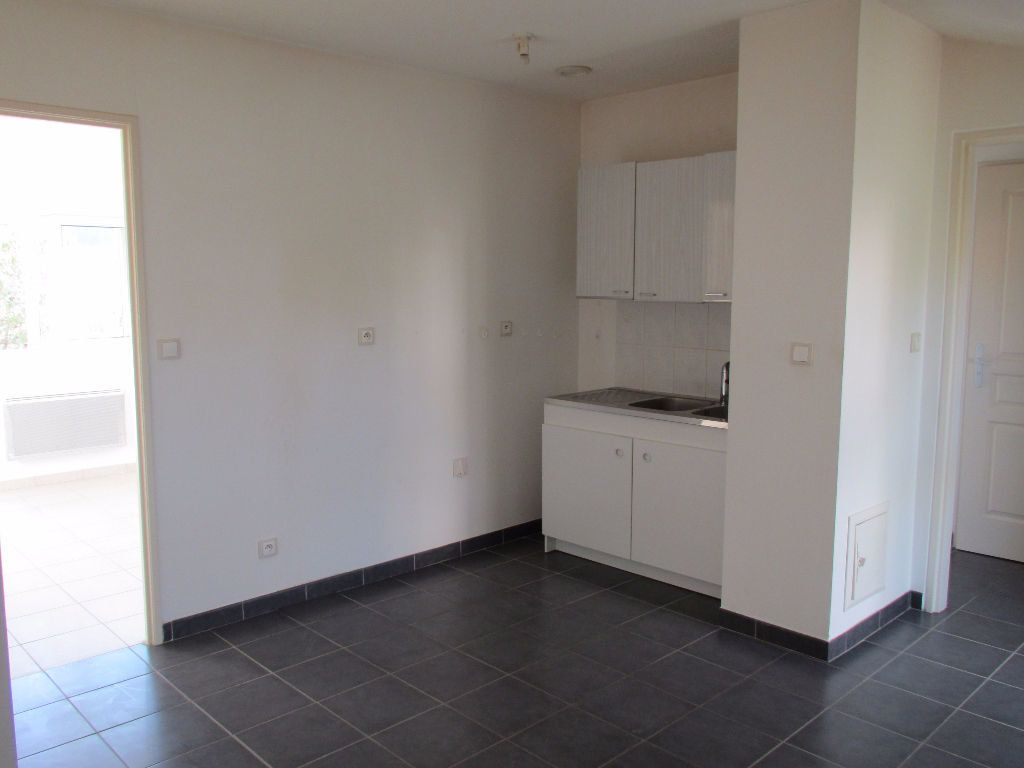 Appartement à louer 3 65.56m2 à Forcalquier vignette-6