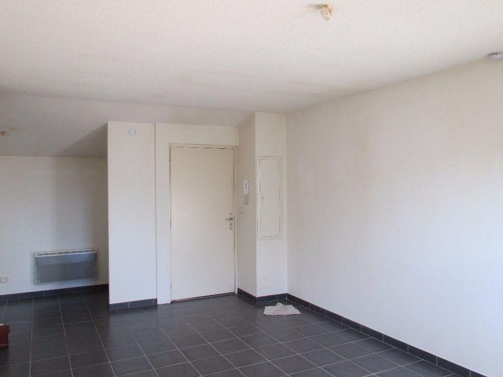 Appartement à louer 3 65.56m2 à Forcalquier vignette-7