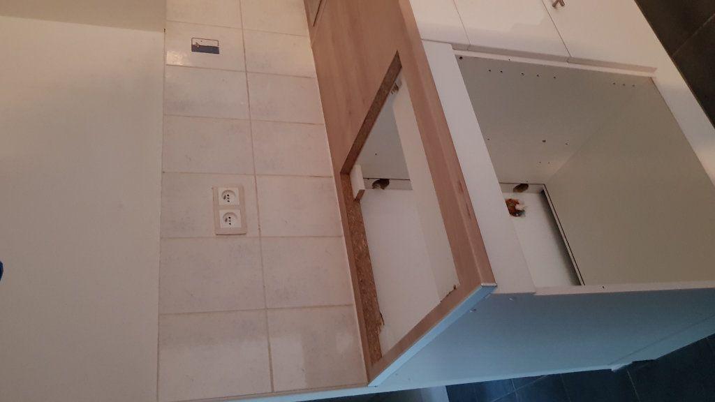 Appartement à louer 4 78.44m2 à Forcalquier vignette-4