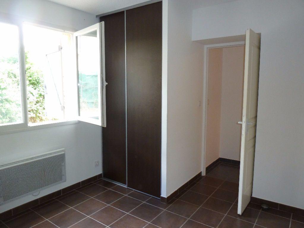 Appartement à louer 4 78.44m2 à Forcalquier vignette-8
