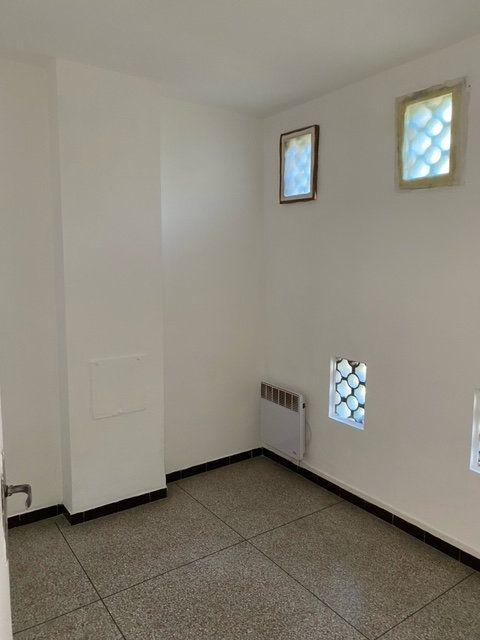 Appartement à louer 1 34m2 à Forcalquier vignette-3