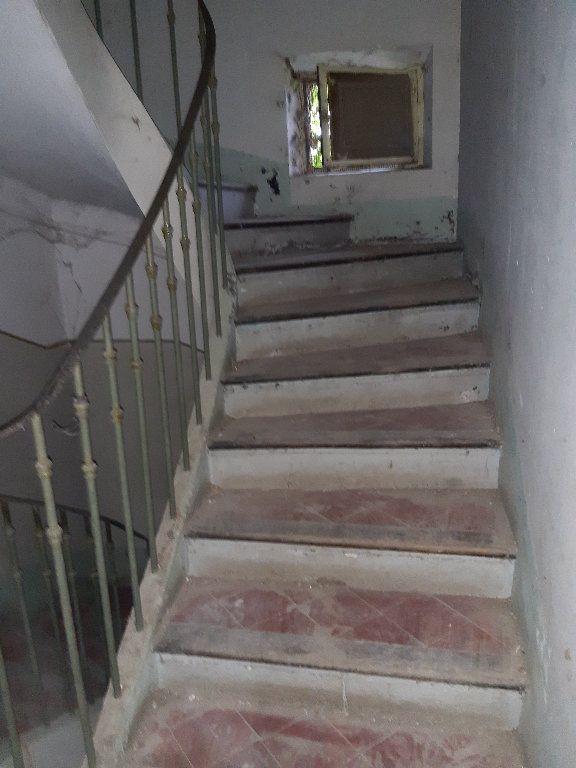 Maison à vendre 4 161.7m2 à Saint-Étienne-les-Orgues vignette-6