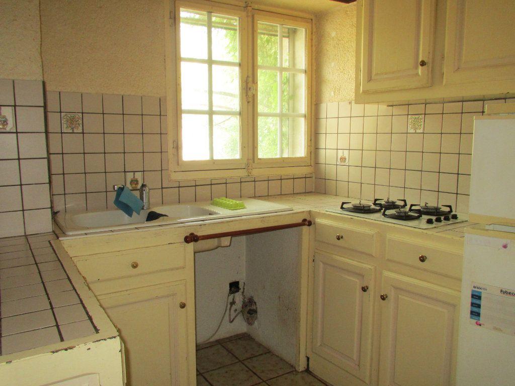 Maison à louer 3 44.65m2 à Fontienne vignette-4