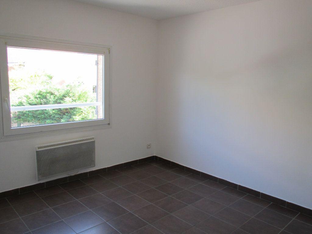Appartement à louer 4 71.29m2 à Forcalquier vignette-3