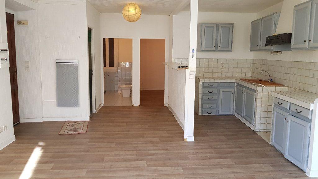 Appartement à louer 3 62.87m2 à Forcalquier vignette-1