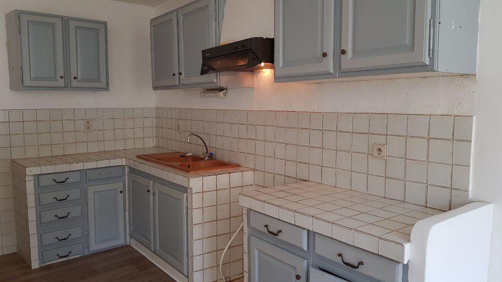 Appartement à louer 3 62.87m2 à Forcalquier vignette-2