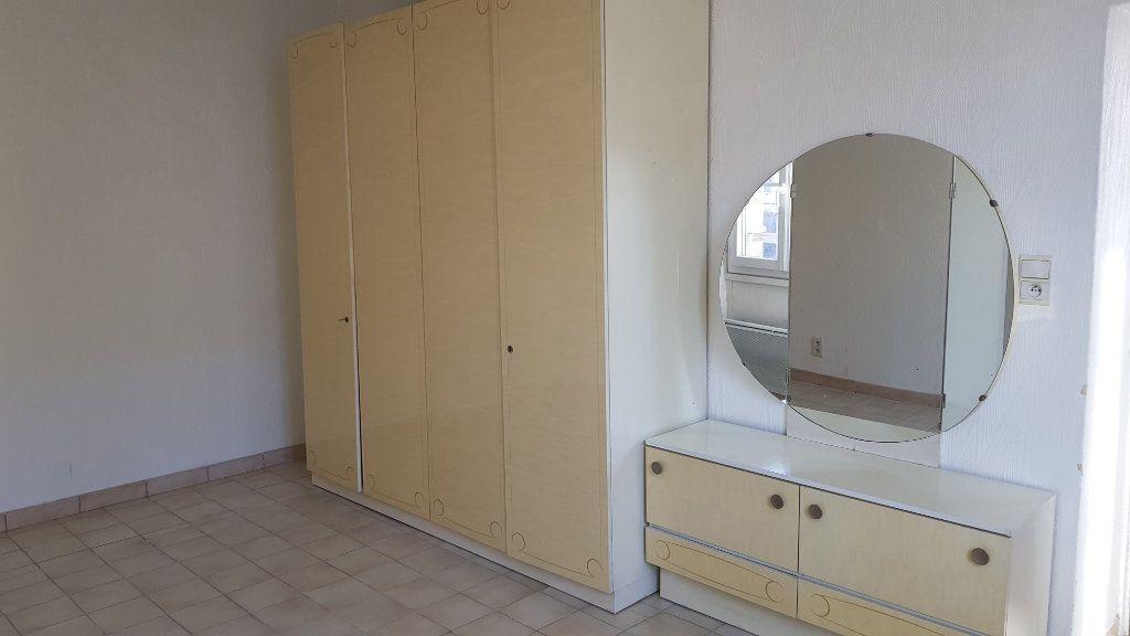 Appartement à louer 3 62.87m2 à Forcalquier vignette-3