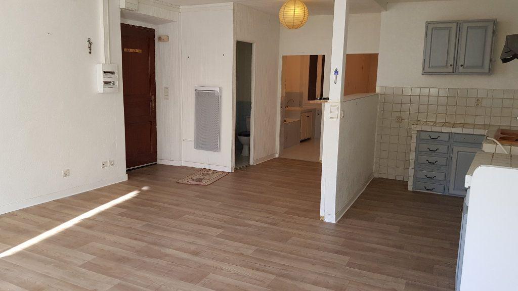 Appartement à louer 3 62.87m2 à Forcalquier vignette-8