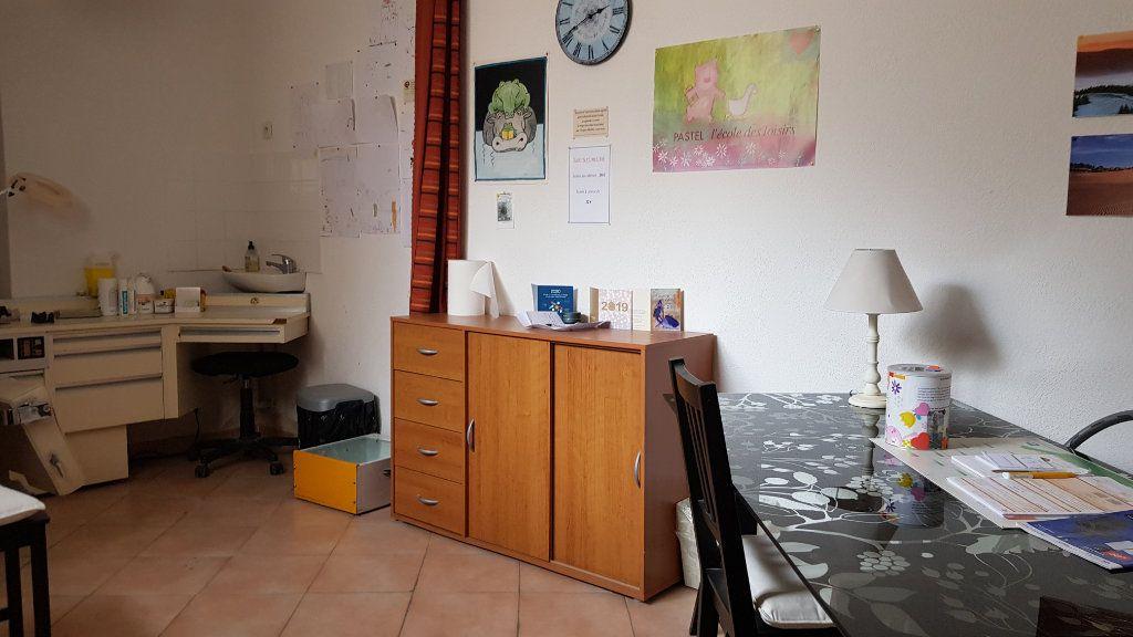 Maison à vendre 13 211.44m2 à Forcalquier vignette-3