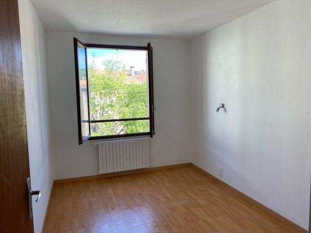 Appartement à louer 3 84.1m2 à Forcalquier vignette-2