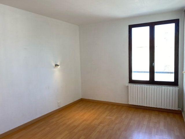 Appartement à louer 3 84.1m2 à Forcalquier vignette-3