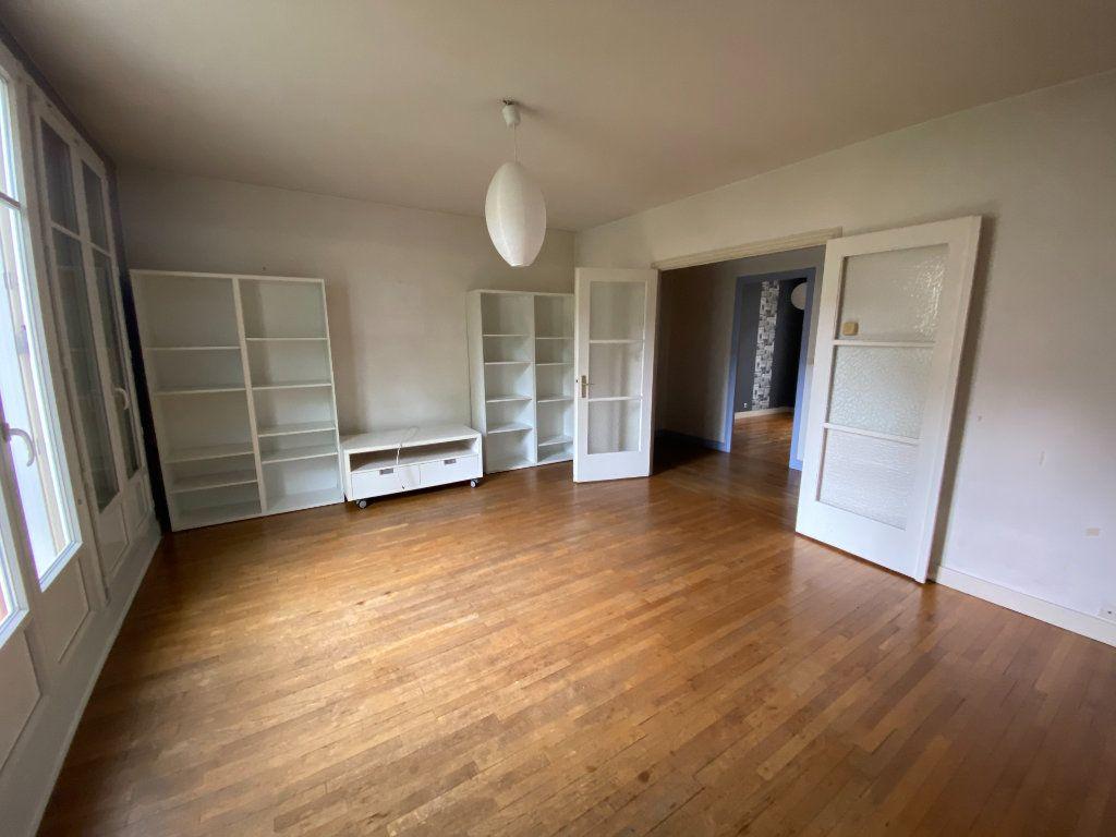 Appartement à louer 3 72m2 à Metz vignette-1