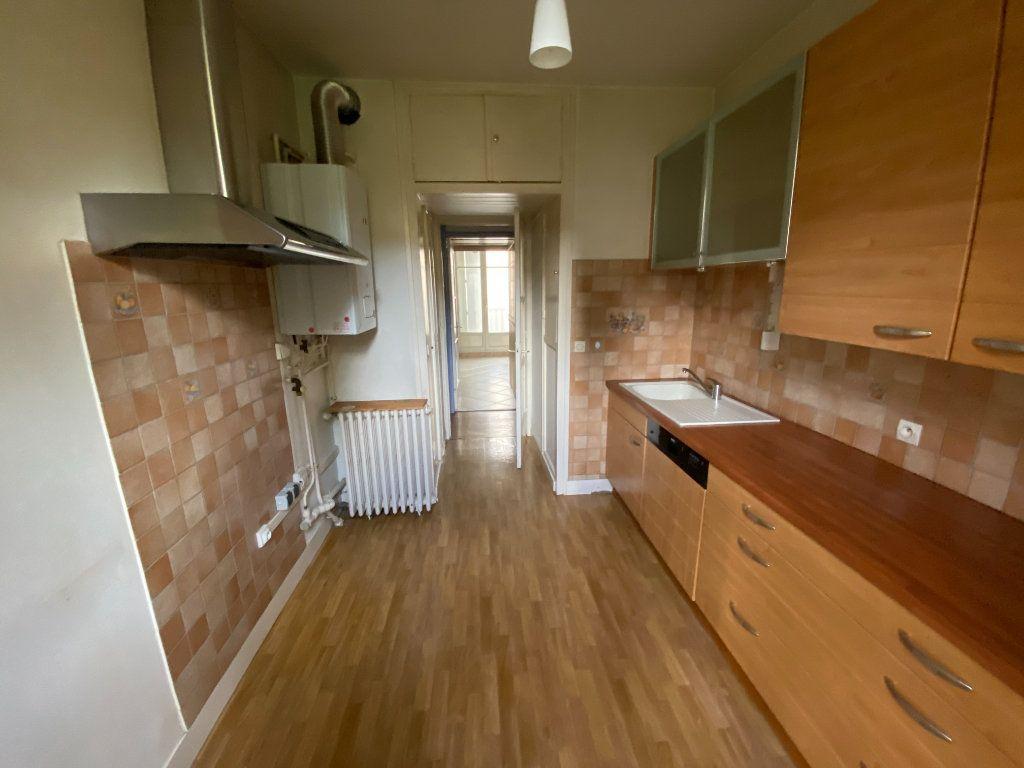 Appartement à louer 3 72m2 à Metz vignette-3