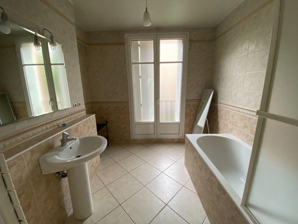 Appartement à louer 3 72m2 à Metz vignette-5