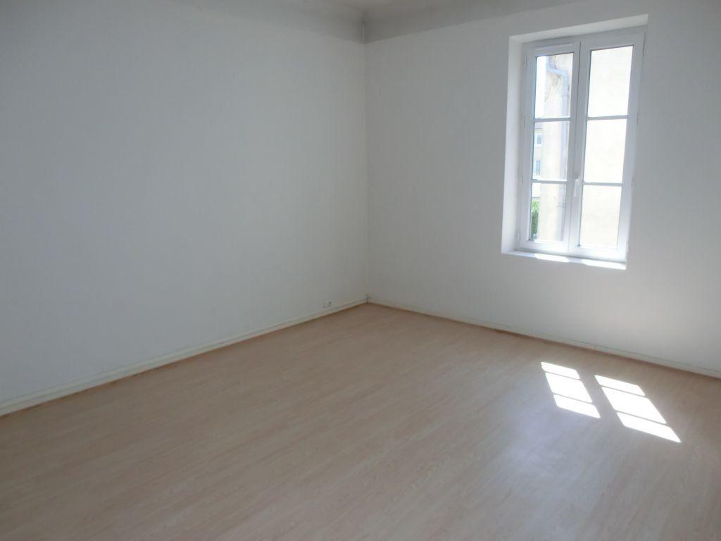 Appartement à louer 2 49.97m2 à Metz vignette-3