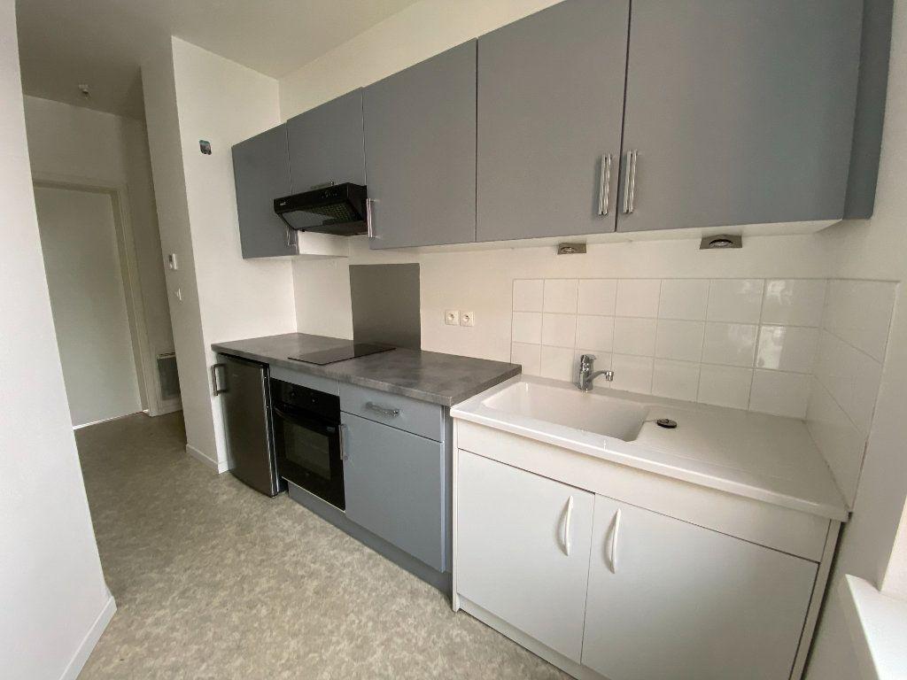 Appartement à louer 1 26m2 à Montigny-lès-Metz vignette-1