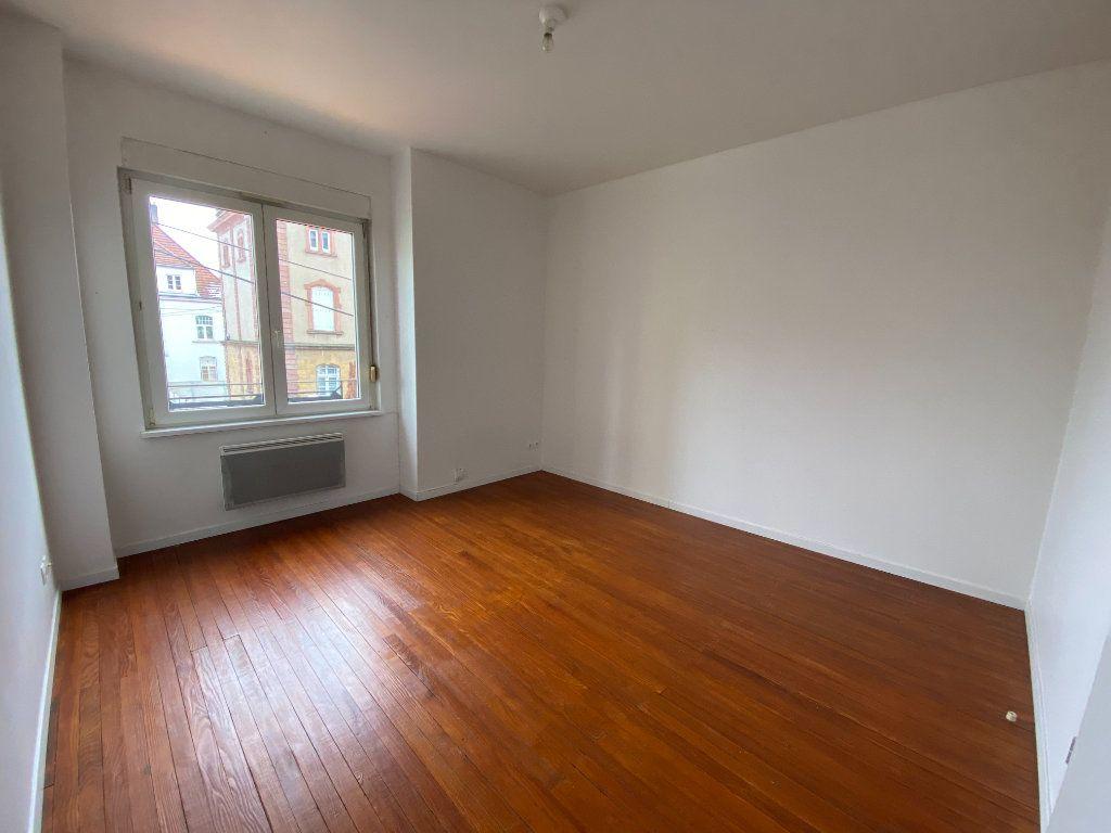 Appartement à louer 1 26m2 à Montigny-lès-Metz vignette-3