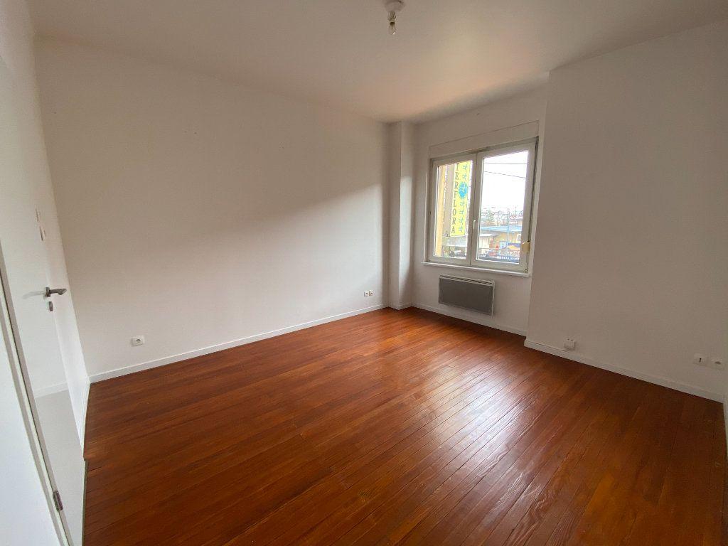 Appartement à louer 1 26m2 à Montigny-lès-Metz vignette-4