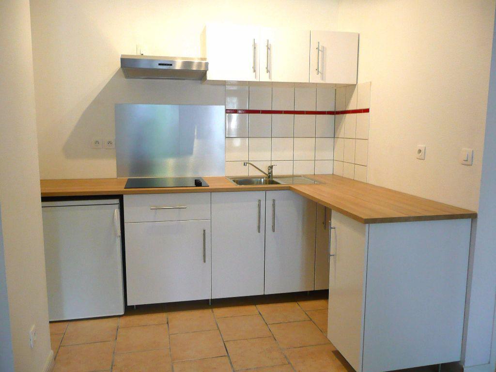 Appartement à louer 2 47.09m2 à Metz vignette-1