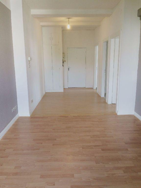 Appartement à louer 3 71.82m2 à Metz vignette-3