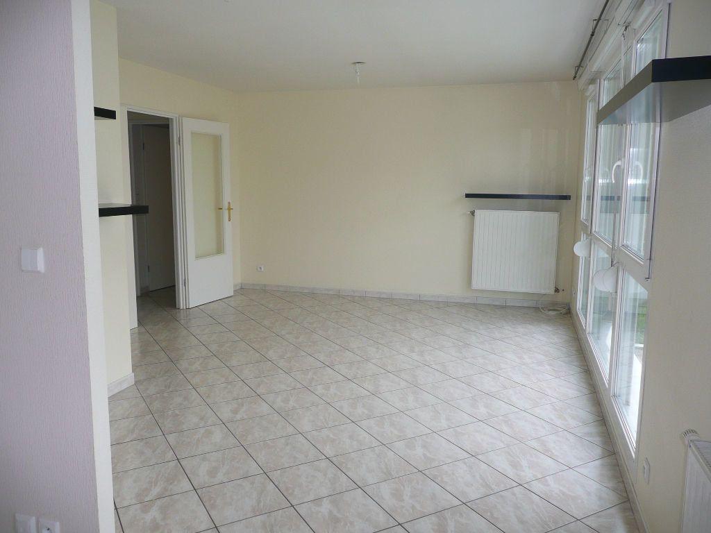 Appartement à louer 2 51.52m2 à Metz vignette-2
