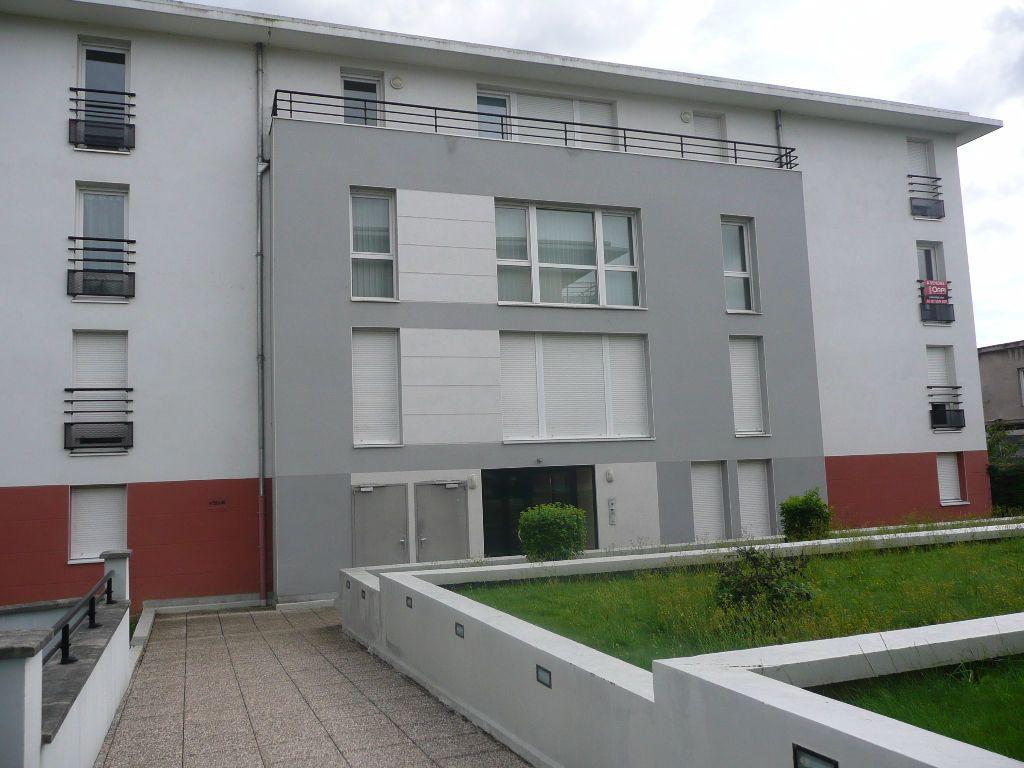 Appartement à louer 2 51.52m2 à Metz vignette-5