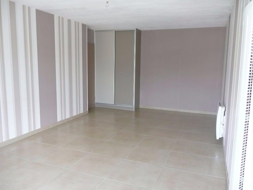 Appartement à louer 3 63m2 à Montigny-lès-Metz vignette-2