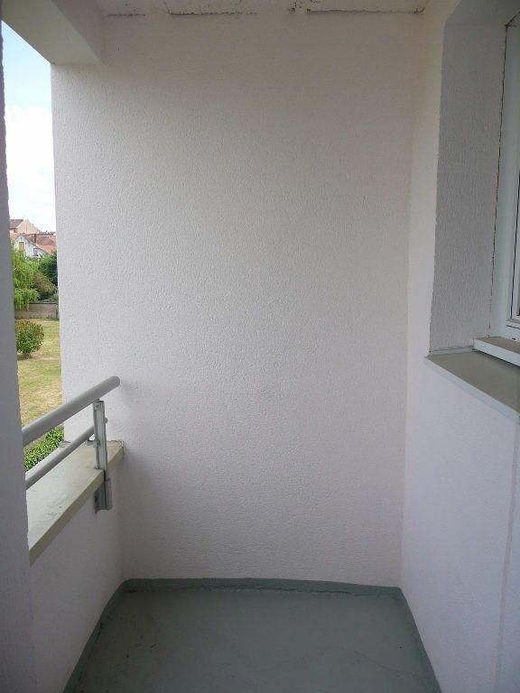 Appartement à louer 3 63m2 à Montigny-lès-Metz vignette-3