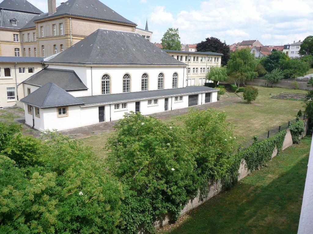 Appartement à louer 3 63m2 à Montigny-lès-Metz vignette-4