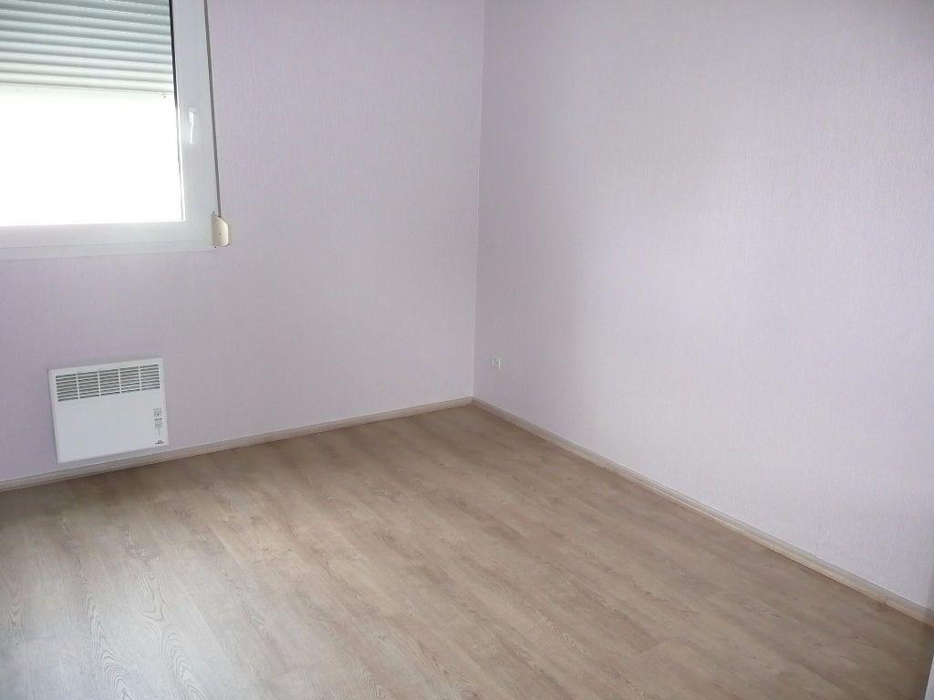 Appartement à louer 3 63m2 à Montigny-lès-Metz vignette-6