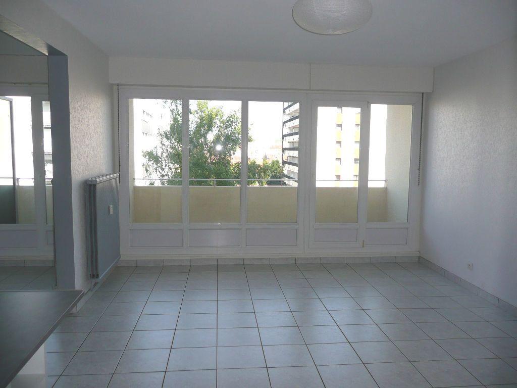 Appartement à louer 1 33.45m2 à Metz vignette-2