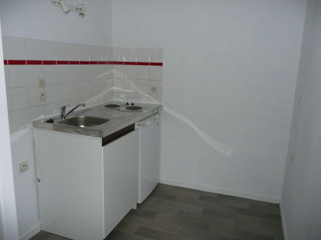 Appartement à louer 1 31.78m2 à Metz vignette-3