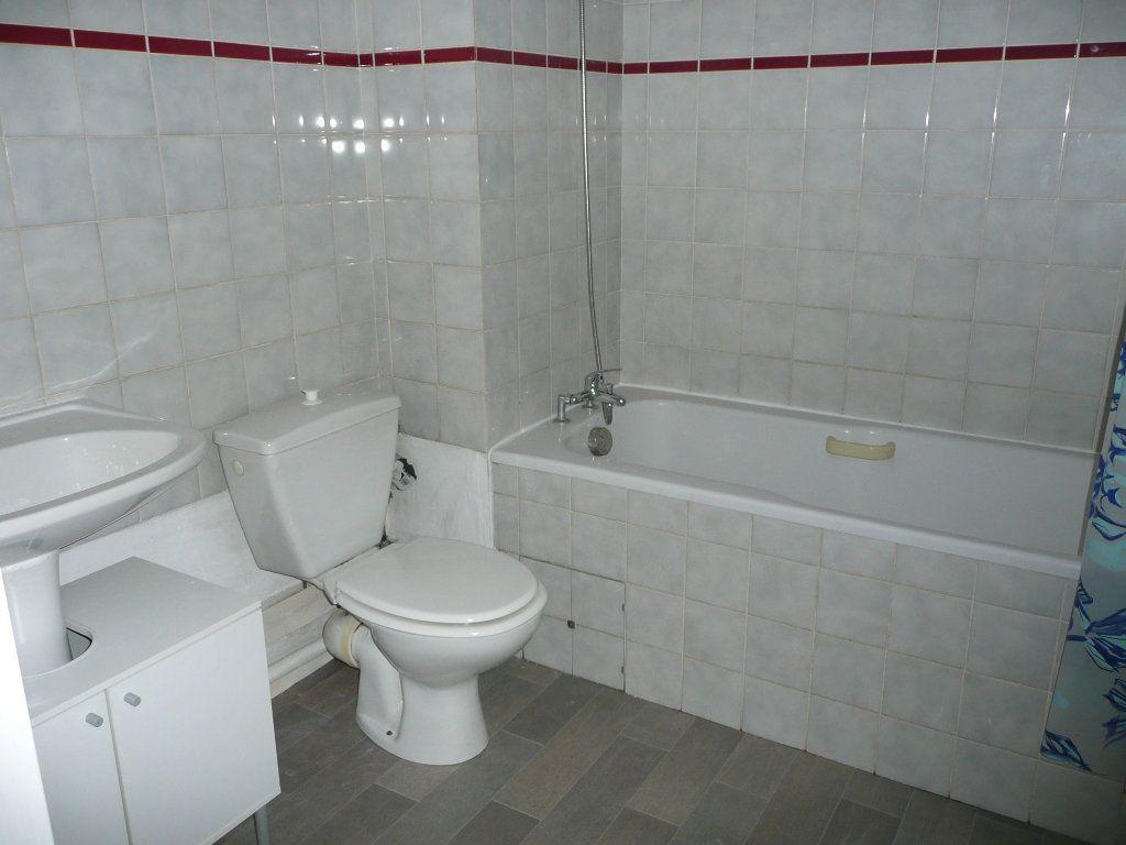 Appartement à louer 1 31.78m2 à Metz vignette-5