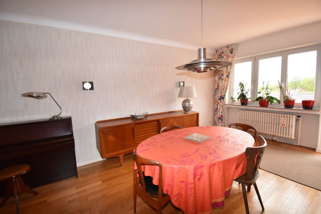 Maison à vendre 7 135m2 à Saint-Julien-lès-Metz vignette-4