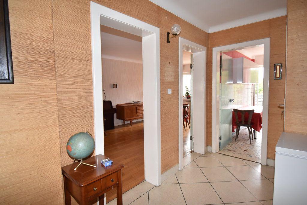 Maison à vendre 7 135m2 à Saint-Julien-lès-Metz vignette-6