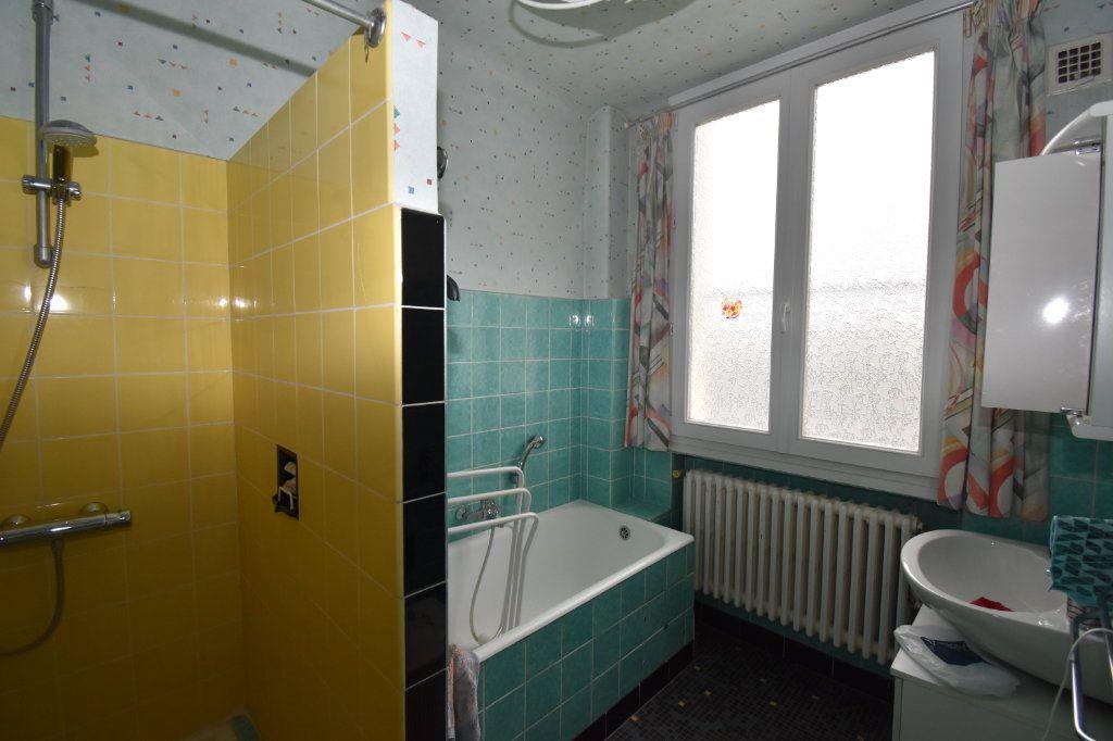 Maison à vendre 7 135m2 à Saint-Julien-lès-Metz vignette-11