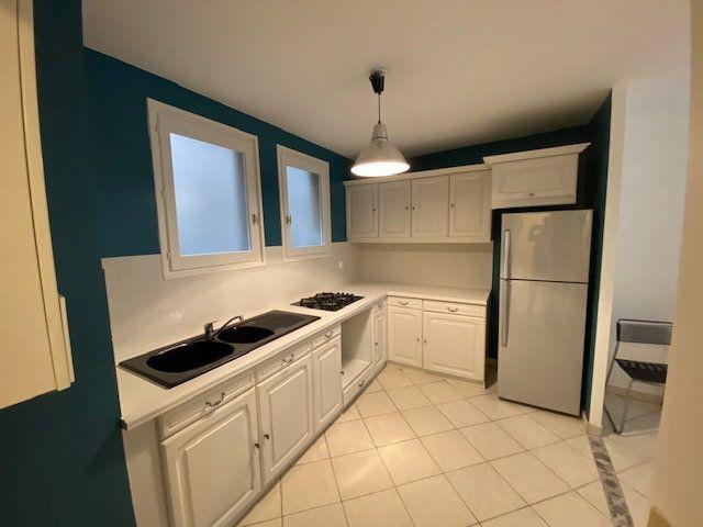 Appartement à louer 3 66.38m2 à Metz vignette-2