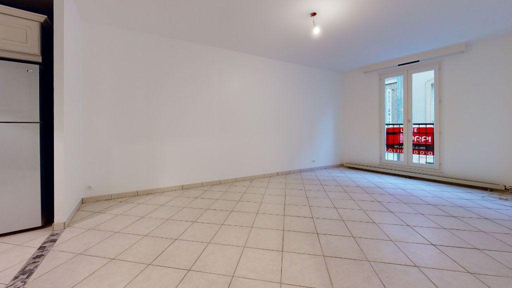 Appartement à louer 3 66.38m2 à Metz vignette-3