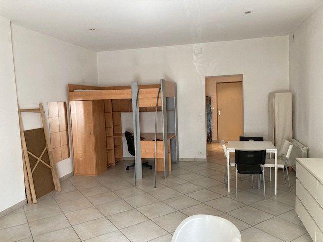 Appartement à vendre 1 45m2 à Metz vignette-3