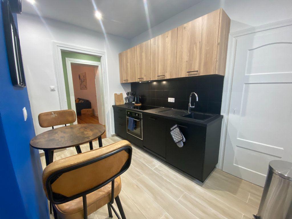 Appartement à louer 1 16m2 à Metz vignette-7