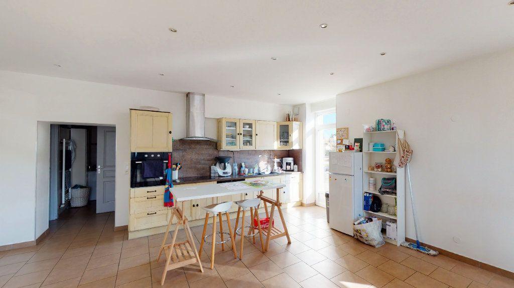 Appartement à vendre 5 92.56m2 à La Maxe vignette-2