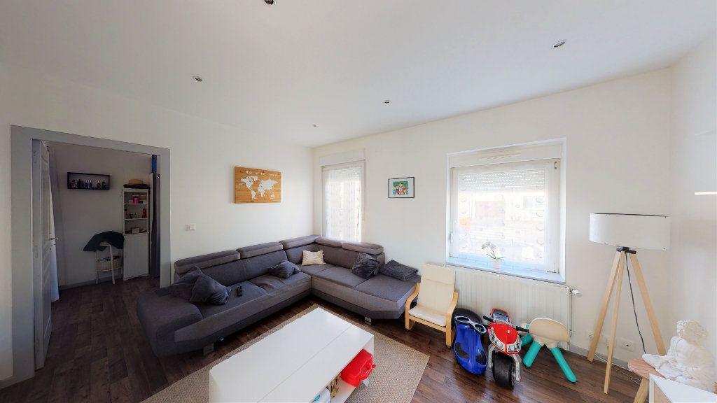 Appartement à vendre 5 92.56m2 à La Maxe vignette-3
