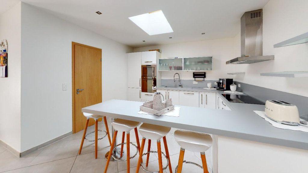 Appartement à vendre 5 102m2 à Metz vignette-2