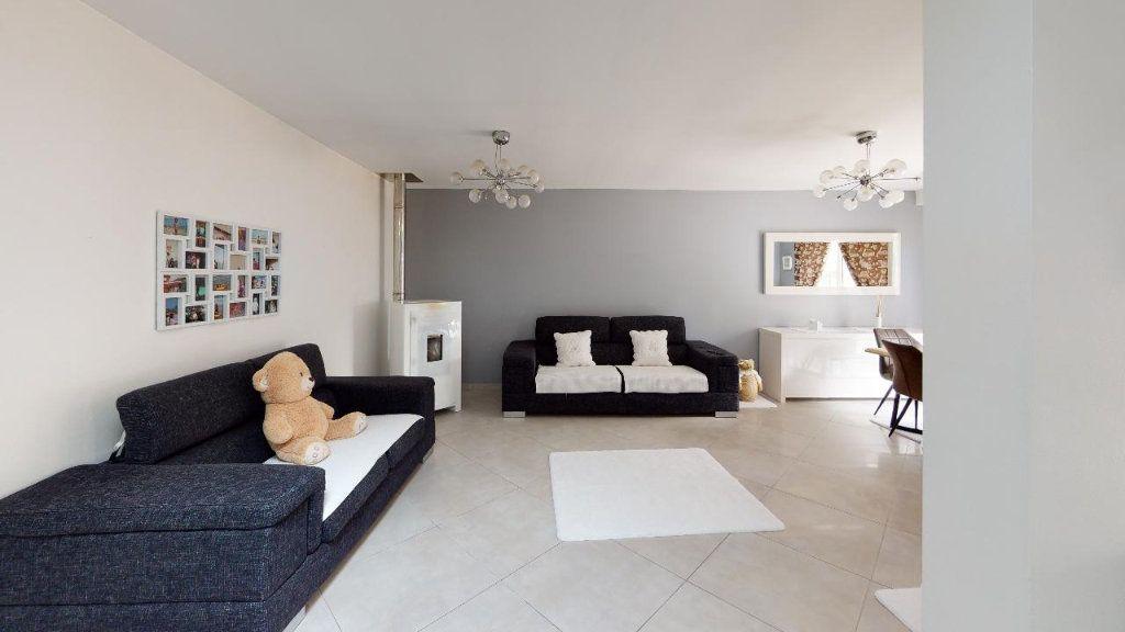 Appartement à vendre 5 102m2 à Metz vignette-3
