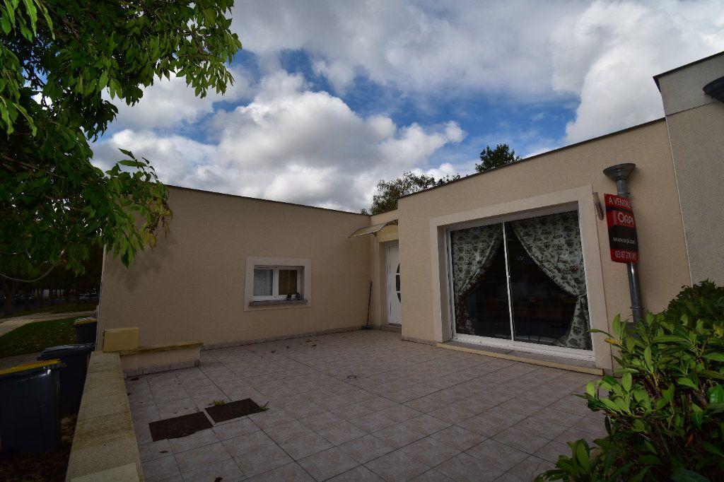 Appartement à vendre 5 102m2 à Metz vignette-8