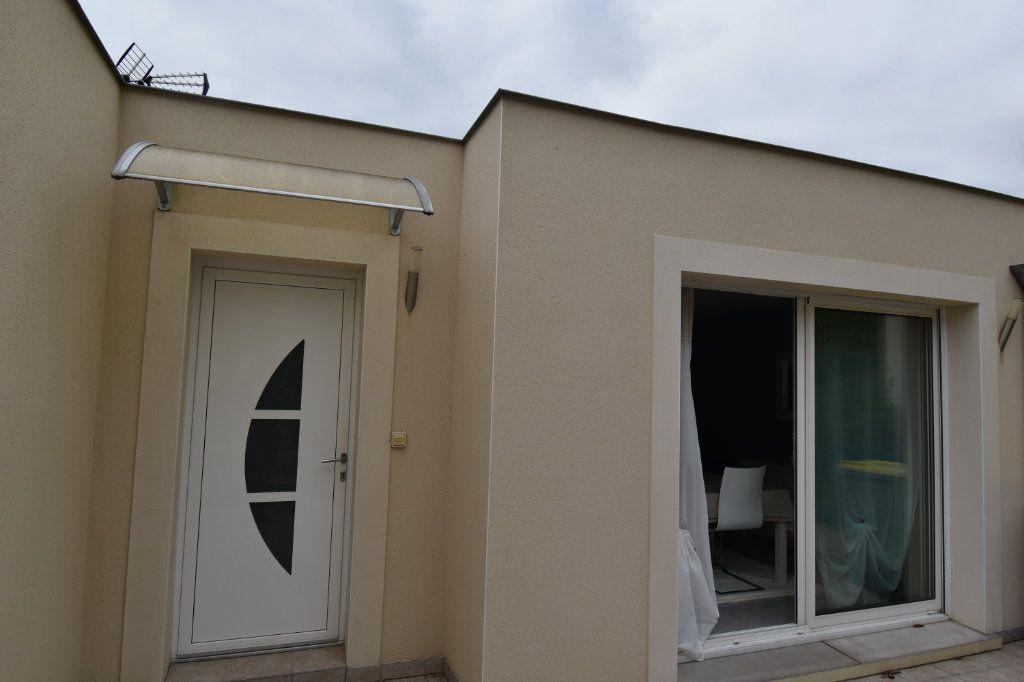 Appartement à vendre 5 102m2 à Metz vignette-9