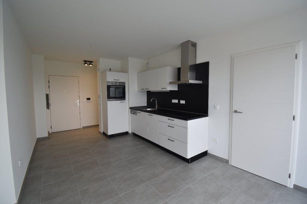 Appartement à louer 2 40.87m2 à Metz vignette-1