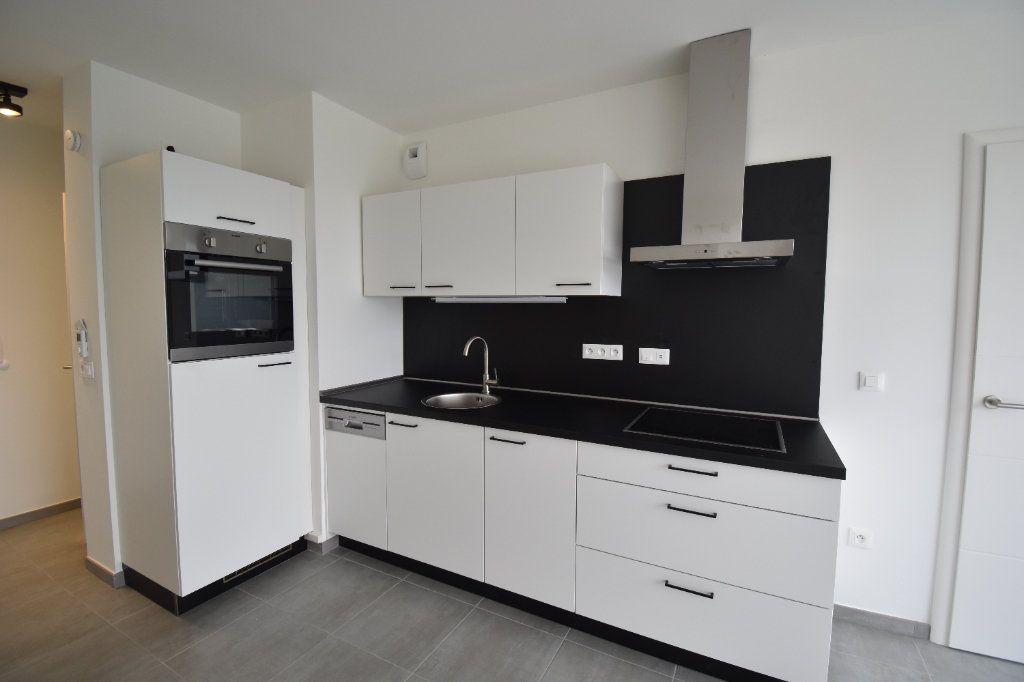 Appartement à louer 2 40.87m2 à Metz vignette-2