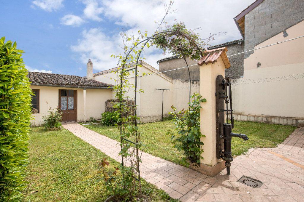 Maison à vendre 4 120m2 à Ambérieux-en-Dombes vignette-1