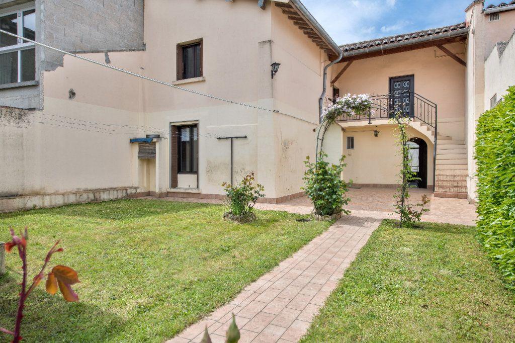 Maison à vendre 4 120m2 à Ambérieux-en-Dombes vignette-2